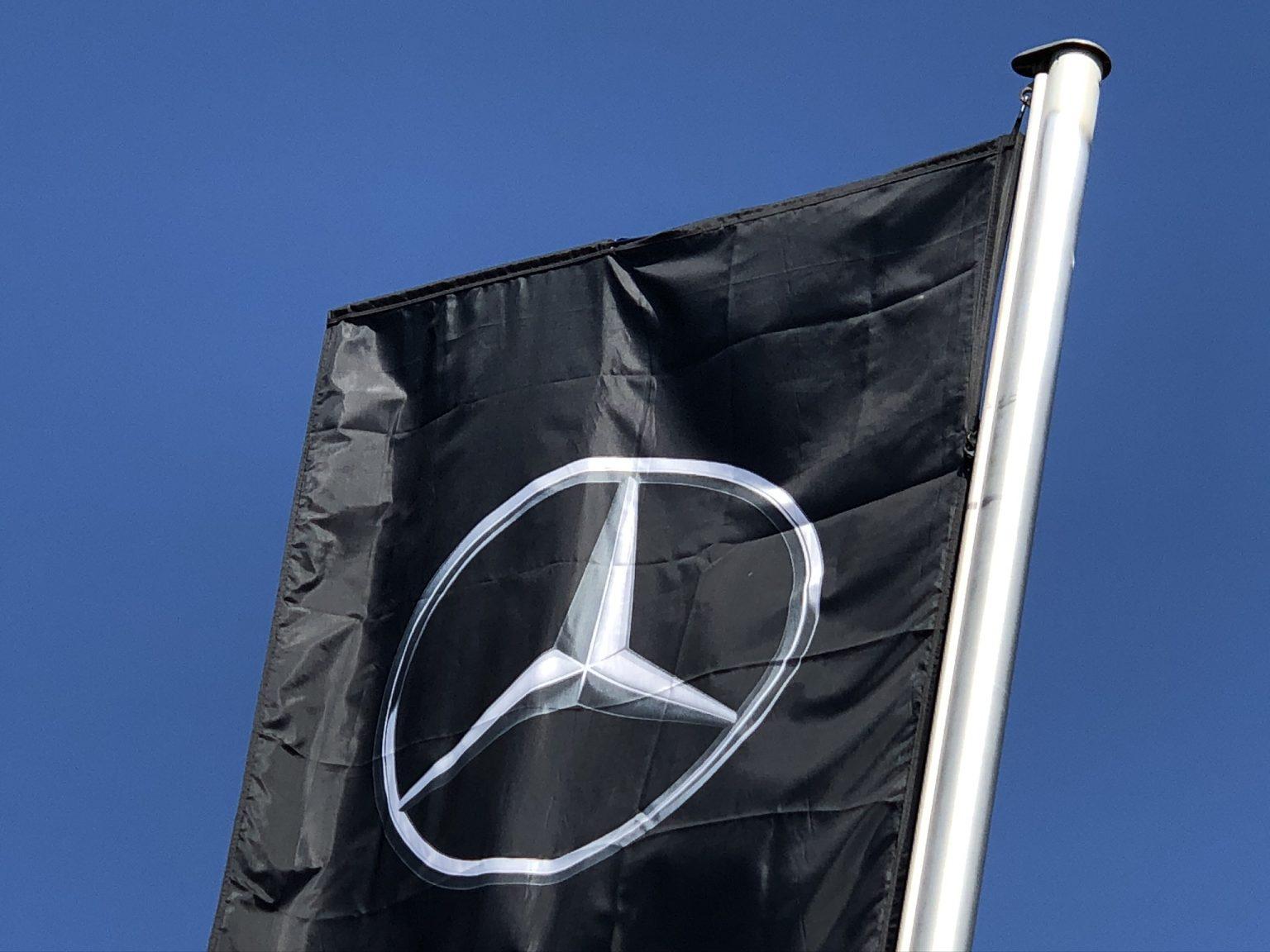 Mercedes-Benz Flagge